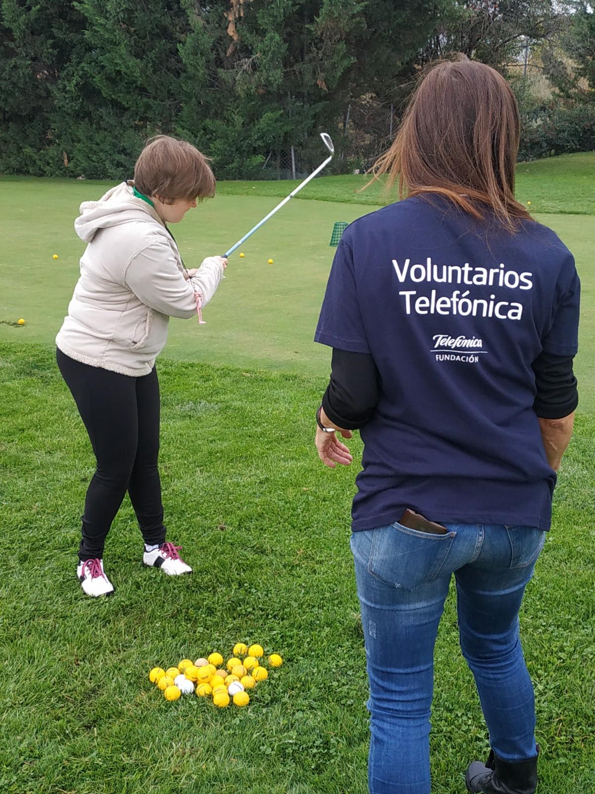 DIVT2019 Voluntarios Telefonica con APADIS