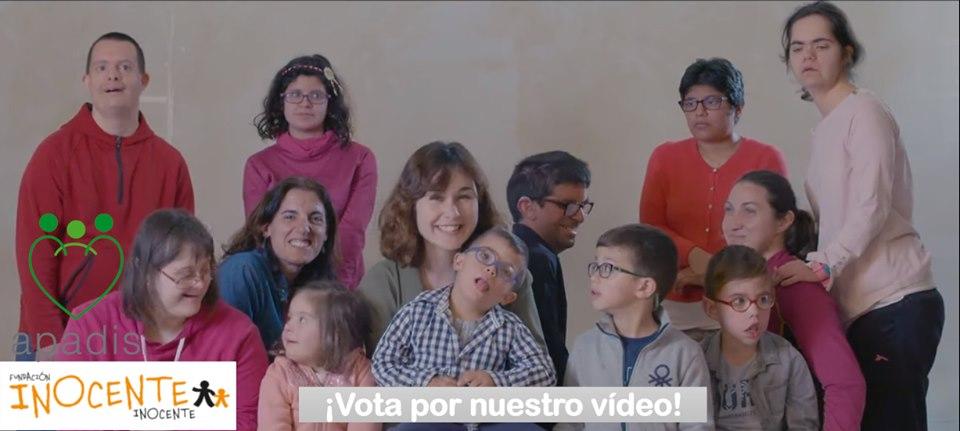 NADIA DE SANTIAGO APOYA A APADIS EN LOS PREMIOS INOCENTE INOCENTE 2019